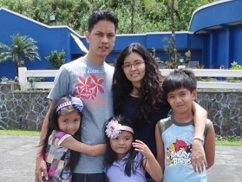 Ray Mendiola and family